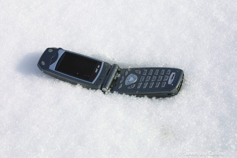 phone-in-the-snow-1024x682