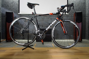 I really liked this bike until the frame cracked, see other photo. Cervelo R3.