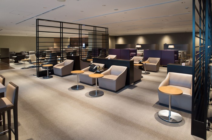 Japan Airlines's Heneda lounge is empty at 6:30AM.