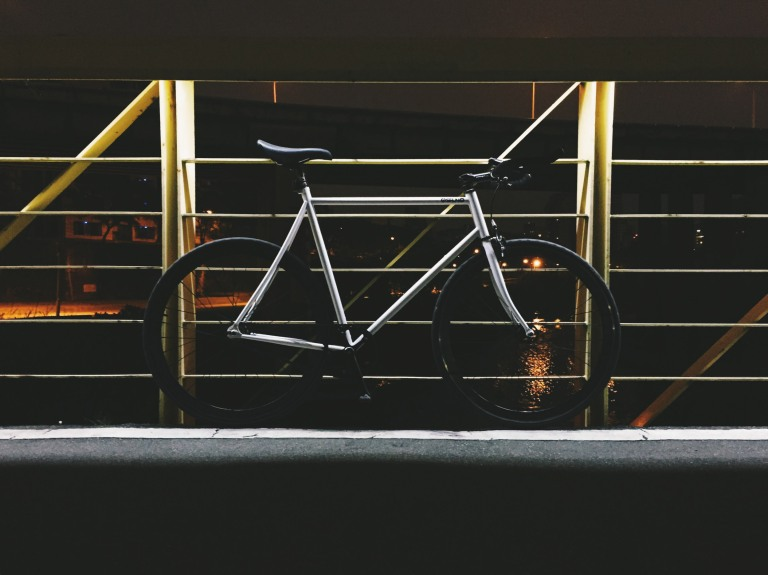 Currently, my favorite bike - a fixed gear (47/17) steel framed bike. (iPhone 6, VSCOcam, F1 preset)