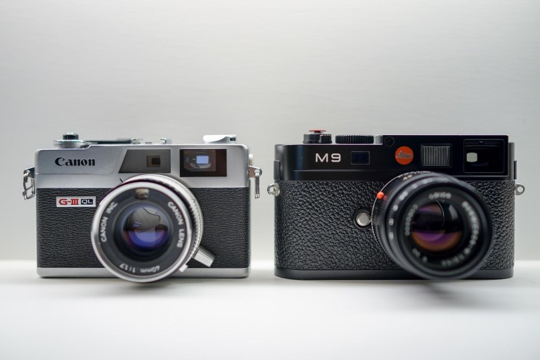 The QL17 proudly standing shoulder to shoulder with the Leica M9.