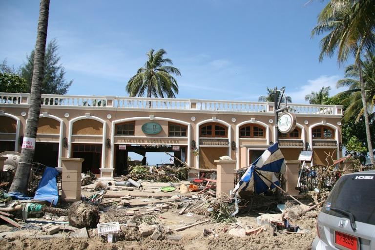 collins - tsunami - 2004 (1)