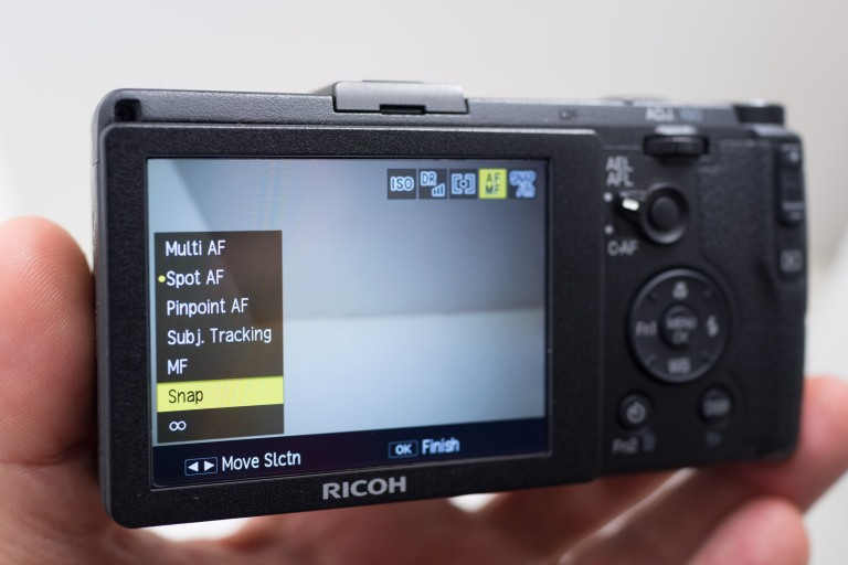 Set your focus mode to Snap (Sony RX1r)