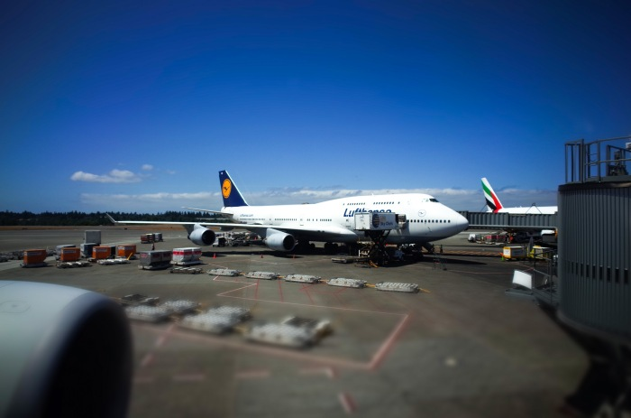 A Lufthansa 747-400 at the gate at Seatac.
