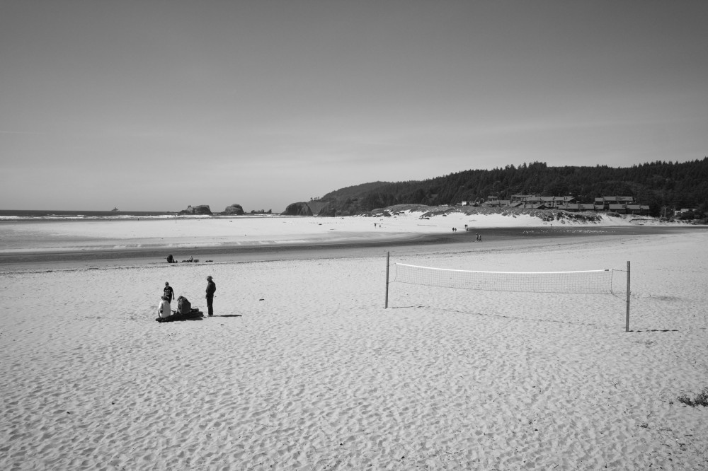 An empty net on Canon Beach, Oregon. (Sigma DP1 Quattro)